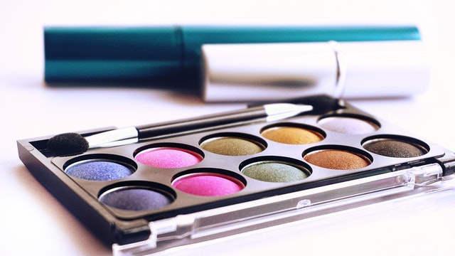 Diferencia maquillaje de dia y noche
