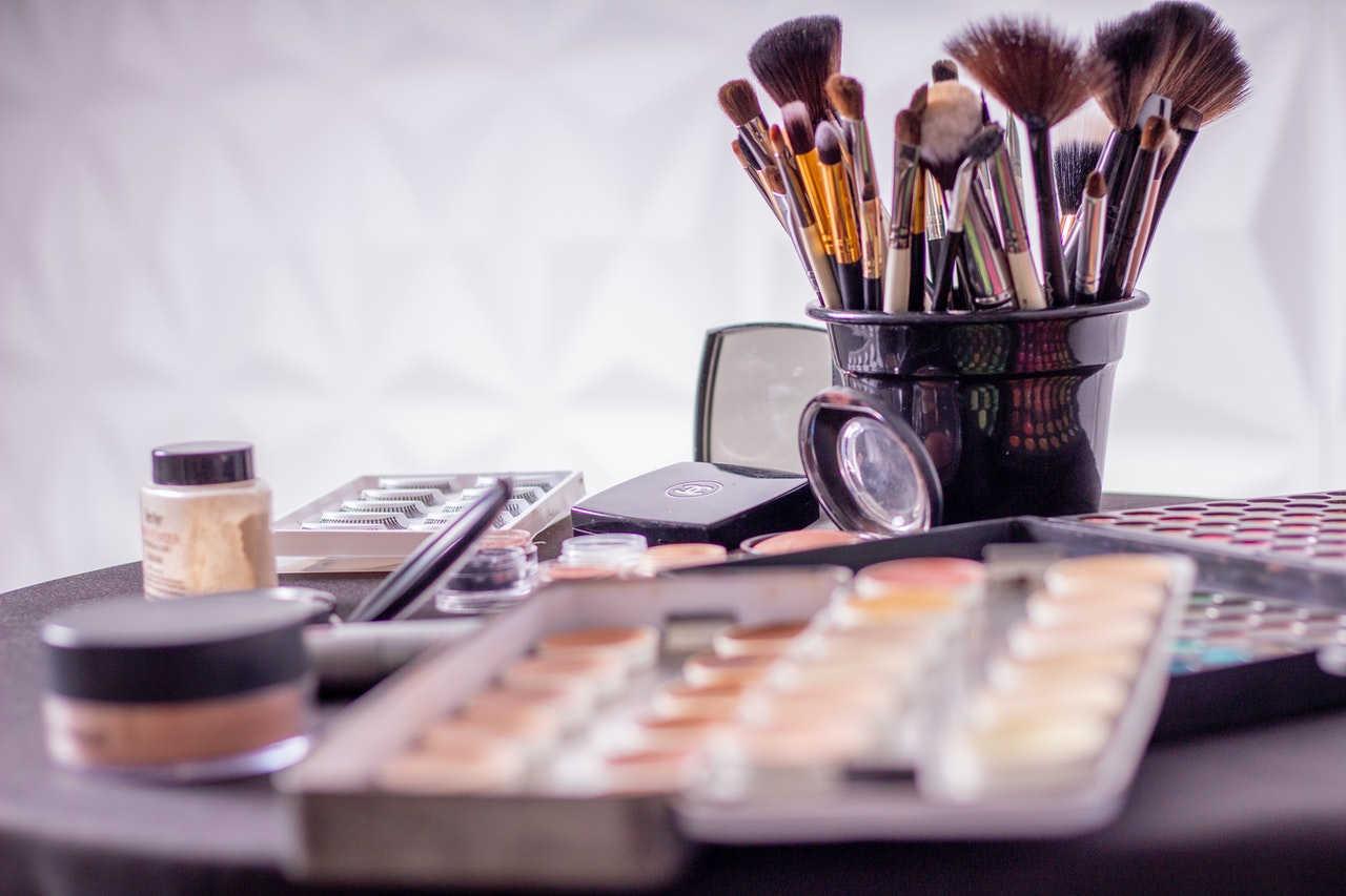 Set de maquillaje caducado