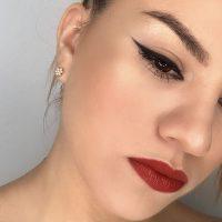 curso de automaquillaje online para labios rojos